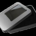 MemoTrek-Vertrieb-USB-Verpackung-Grosse-Metallbox-Sichtfenster-2